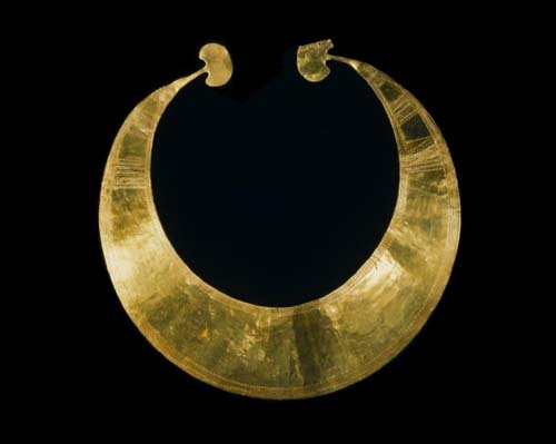 Bronze Age gold collar
