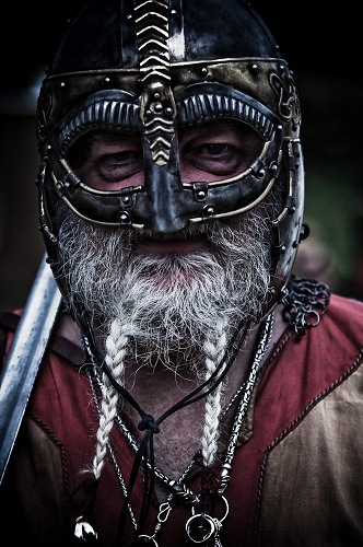 Robert Low in Viking helm - look, no horns!