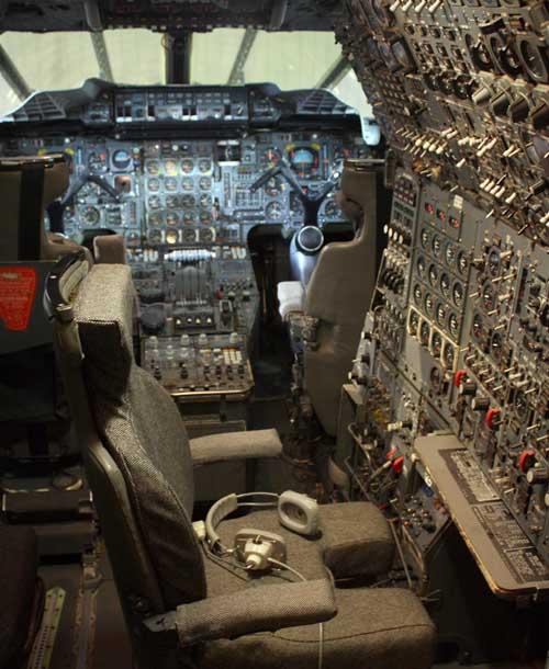 1-2-4-cockpit1-JF-500px