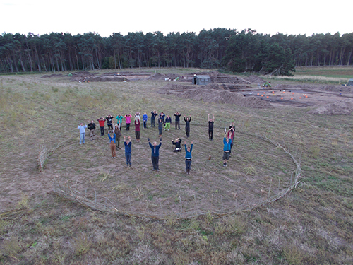 The dig team recreate a roundhouse